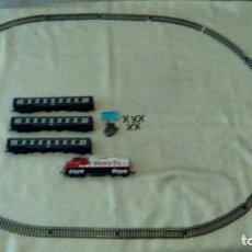 Trenes Escala: CIRCUITO DE TREN ELECTRICO OVALADO MAS HO MENOS DE 1,20X070.CON TREN INCLUIDO. Lote 234350520