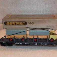 Trenes Escala: VAGON MERCANCIAS TELERO 4 EJES IBERTREN H0 REF. 2458 CON CAMION Y REMOLQUE. Lote 241273965