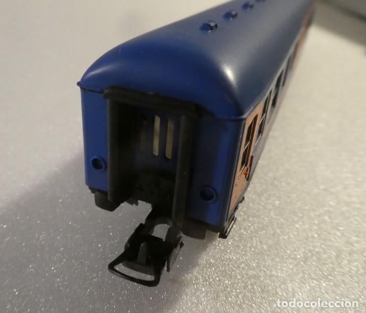 Trenes Escala: VAGON RESTAURANTE NUEVA IMAGEN RENFE CON LUZ IBERTREN H0 REF. 2214 - Foto 4 - 241996195