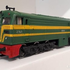 Trenes Escala: IBERTREN H0 LOCOMOTORA DIÉSEL ALCO S/321, DE RENFE, REFERENCIA 2104 MOTOR SCX DC ANALÓGICA.. Lote 242892530