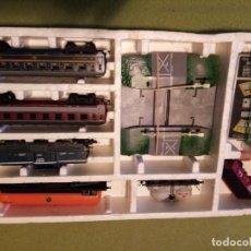 Trenes Escala: JUGUETE IDEAL PARA EL VERANO UNIDAD DE TREN COMPLETA (CON SU CAJA). Lote 275744108