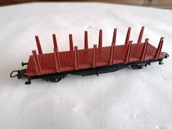 Trenes Escala: Ibertren H0 Vagón de Mercancías con Estacas Renfe Perfecto Estado - Foto 3 - 287619753