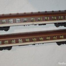 Trenes Escala: 2 VAGONES/COCHES VIAJEROS 1ª CLASE ESTRELLA REF.2.227 / ESCALA H0 - IBERTREN ¡MIRA FOTOS / DETALLES!. Lote 293647313