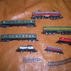 Trenes Escala: LOTE 2 MAQUINAS -2 VAGONES GRANDES Y 3 VAGONES PEQUEÑOS . Lote 18030065