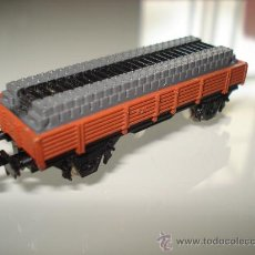 Trenes Escala: VAGON BORDE BAJO CON TRAVIESAS DE IBERTREN EN -N- REF. 311.. Lote 20503416