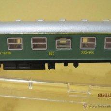 Trenes Escala: ANTIGUO COCHE DE VIAJEROS 1ª CLASE SERIE 8000 021 RENFE EN ESCALA *N* DE IBERTREN. Lote 47842581