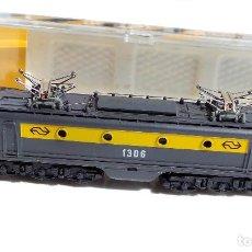 Trenes Escala: IBERTREN LOCOMOTORA ELECTRICA ALSTHOM 1306 CREO QUE LA CAJA NO ES SUYA PERO SE COMPRO ASÍ. Lote 97995815