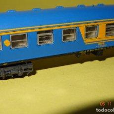 Trenes Escala: ANTIGUO COCHE DE VIAJEROS 2ª CLASE RENFE NUEVA IMAGEN EN ESCALA *N* DE IBERTREN. Lote 102650195