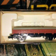 Trenes Escala: IBERTREN - VAGÓN BORDE BAJO MARRÓN CON TUBOS DE IBERTREN, REF. 309, ESCALA N.. Lote 122309091