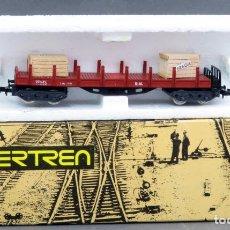 Trenes Escala: VAGÓN IBERTREN TELERO 4 EJES CON CAJAS ESCALA N EN CAJA AÑOS 70 REF 435. Lote 133011166