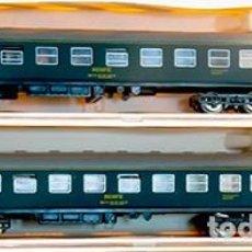 Trenes Escala: IBERTREN 202. COCHE DE VIAJEROS PRIMERA CLASE RENFE SERIE 8000, BARCELONA - MADRID, AZUL. 2 UNIDADES. Lote 156657998