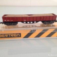 Trenes Escala: TREN, IBERTREN 413, VAGÓN BORDE ALTO DE BOGIES, RENFE XX, MARRON CON ARENA. Lote 158710954