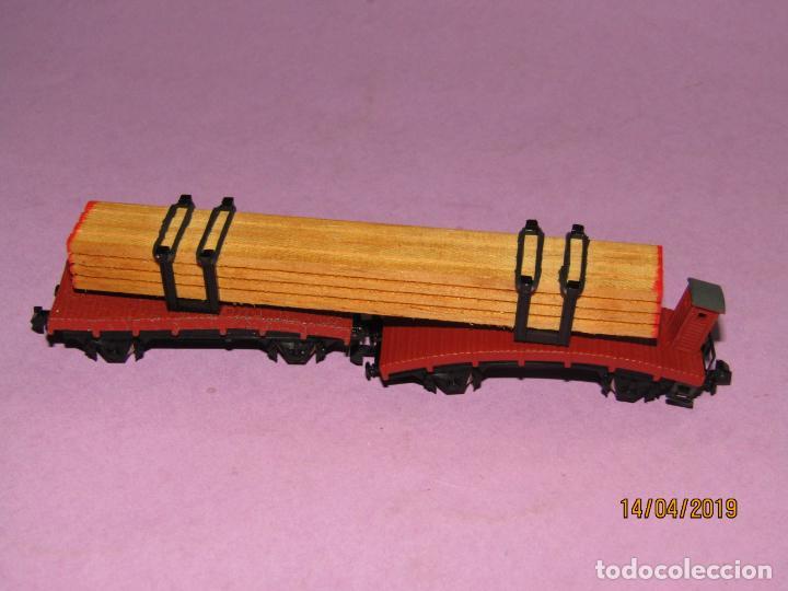 ANTIGUA PLATAFORMA DOBLE CON CARGA DE MADERA EN ESCALA *N* DE IBERTREN (Juguetes - Trenes a escala N - Ibertren N)