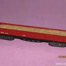 Trenes Escala: ANTIGUO VAGÓN BORDE ALTO CON ARENA 4 EJES CON CAJAS EN ESCALA *N* REF. 413 DE IBERTREN. Lote 160535082