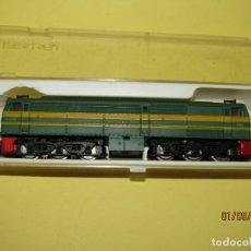 Trenes Escala: ANTIGUA LOCOMOTORA DIESEL ALCO 2100 RENFE EN ESCALA *N* *2-N* REF. 951 DE IBERTREN. Lote 175504669