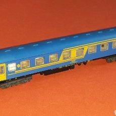 Trenes Escala: COCHE VIAJEROS 2ª CLASE 8000 RENFE *NUEVA IMAGEN* REF. 230, IBERTREN ESC. N, ORIGINAL AÑOS 80-90.. Lote 176456743