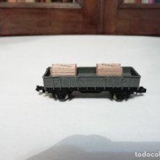 Trenes Escala: IBERTREN N 322 VAGÓN PLATAFORMA 2 CAJAS GRIS RENFE PERFECTO ESTADO. Lote 177046625
