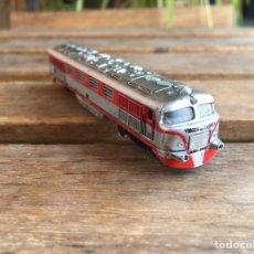 Trenes Escala: LOCOMOTORA IBERTREN VIRGEN DEL CARMEN. LUZ ENCIENDE.. Lote 180280032