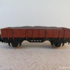 Trenes Escala: ANTIGUO VAGÓN DE MERCANCÍAS CON CARGA 2 EJES DE IBERTREN, ESCALA N.. Lote 181036166