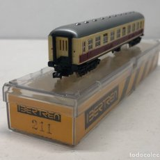 Trenes Escala: IBERTREN VAGÓN 2ªCLASE (MARFIL-ROJO) DB REFERENCIA 211, ESCALA N. Lote 187122313