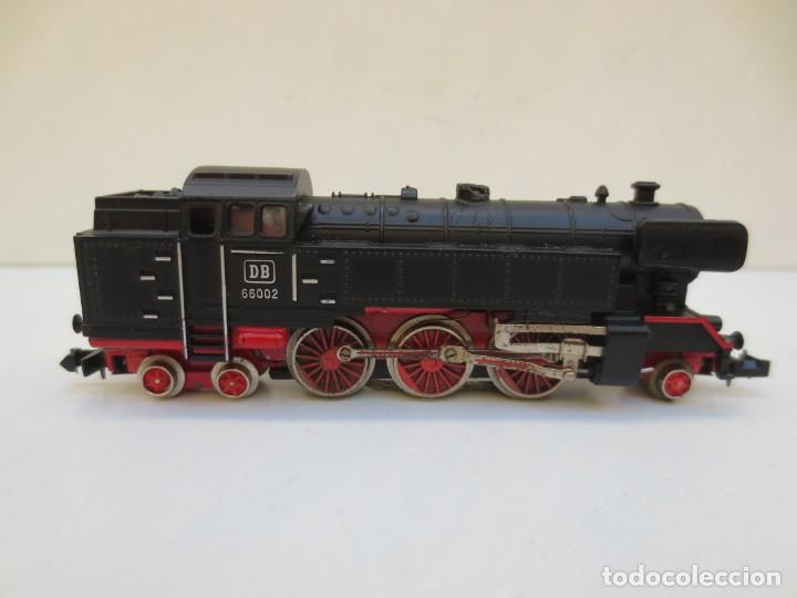 Trenes Escala: LOCOMOTORA VAPOR DB 66002 + VAGÓN PASAJEROS MATARÓ + VAGÓN EQUIPAJE Y CORREOS. ESC. N IBERTREN - Foto 3 - 197075417