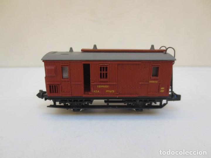 Trenes Escala: LOCOMOTORA VAPOR DB 66002 + VAGÓN PASAJEROS MATARÓ + VAGÓN EQUIPAJE Y CORREOS. ESC. N IBERTREN - Foto 4 - 197075417