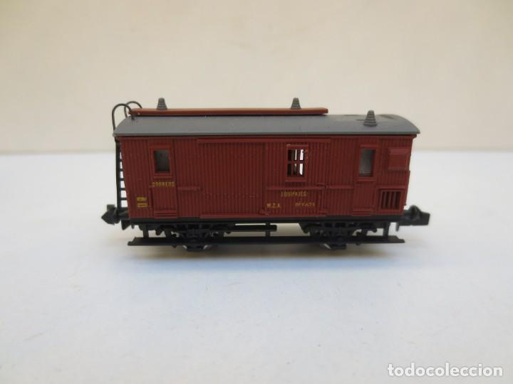 Trenes Escala: LOCOMOTORA VAPOR DB 66002 + VAGÓN PASAJEROS MATARÓ + VAGÓN EQUIPAJE Y CORREOS. ESC. N IBERTREN - Foto 5 - 197075417