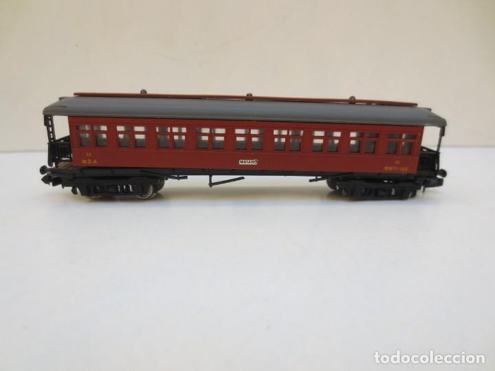 Trenes Escala: LOCOMOTORA VAPOR DB 66002 + VAGÓN PASAJEROS MATARÓ + VAGÓN EQUIPAJE Y CORREOS. ESC. N IBERTREN - Foto 7 - 197075417