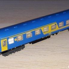 Trenes Escala: COCHE VIAJEROS 2ª CLASE 8000 RENFE *NUEVA IMAGEN* REF. 230, IBERTREN ESC. N, ORIGINAL AÑOS 80-90.. Lote 199982912