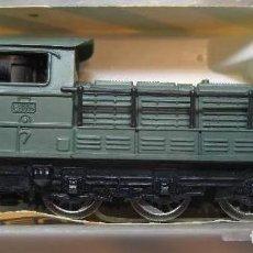 Treni in Scala: LOCOMOTORA MAQUINA DE TREN DIESEL MANIOBRAS SNCF VERDE IBERTREN ESCALA 3N REF 011. Lote 204361353