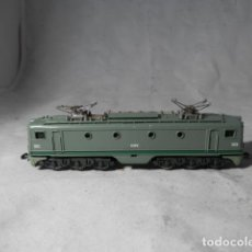 Trenes Escala: LOCOMOTORA ELECTRICA RENFE ESCALA N DE IBERTREN. Lote 207271608