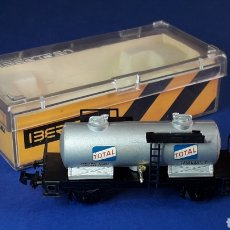 Trenes Escala: VAGÓN CISTERNA GASOLINA TOTAL REF. 360, IBERTREN MADE IN SPAIN ESC. N, ORIGINAL AÑOS 70-80.. Lote 208112397