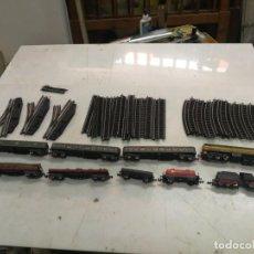 Trenes Escala: GRAN LOTE IBERTREN N 2 LOCOMOTORAS RENFE 2161 Y TENDER, 7 VAGONES Y 49 TRAMOS DE VIA LEER. Lote 211785271