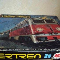 Trenes Escala: (JU-200912)IBERTREN 3N REFERENCIA 401 CON VIAS DE BALASTRO , TREN ANTIGUO, JUGUETE ANTIGUO IBERTREN. Lote 218370753