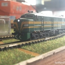 Comboios Escala: LOCOMOTORA DIGITAL 1800 CON LUZ LED 2N. Lote 218394318