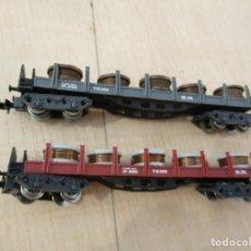 Trenes Escala: IBERTREN DOS VAGONES BOGIES TELEROS CON CARGA DE BOBINAS. Lote 218613531