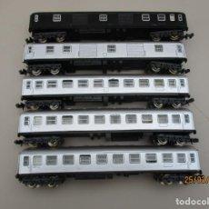Trenes Escala: IBERTREN VAGONES PASAJEROS REPINTADOS A SPRAY FALTAN ALGUNOS TOPES VER FOTOS. Lote 254618525