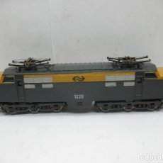 Trenes Escala: LIMA - LOCOMOTORA ELÉCTRICA 1220 CORRIENTE CONTINUA - ESCALA H0. Lote 122785364