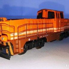 Trenes Escala: LIMA REF: 208052 LOCOMOTORA DIESEL RENFE 311-001 COLORES ESTRELLA.. Lote 103288115