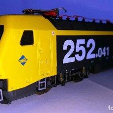 Scale Trains - LIMA Ref: L208623 Locomotora Eléctrica 252-041-09 de RENFE - 103289115