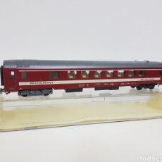 Trenes Escala: VAGÓN RESTAURANTE FRANCÉS SNCF LIMA H0 ROJO CON FRANJA BLANCA LARGO 28 CM. Lote 133534630