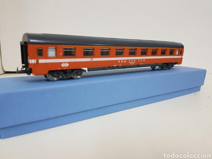 Lima vagón de la SBB Suiza largo de pasajeros color naranja con franja blanca de 27 cm, usado segunda mano