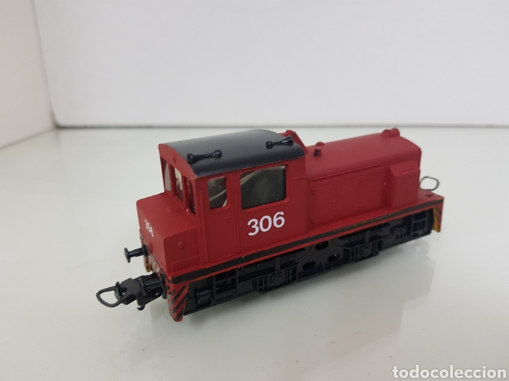 Trenes Escala: Locomotora de maniobras 306 Lima escala H0 roja con franja negra de 11,5 cm sin luz - Foto 3 - 159344648