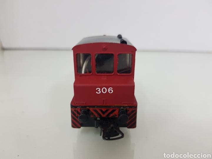 Trenes Escala: Locomotora de maniobras 306 Lima escala H0 roja con franja negra de 11,5 cm sin luz - Foto 4 - 159344648