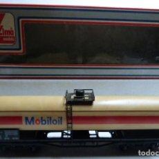 Trenes Escala: VAGON LIMA H0 MOBILOIL REF. 302903 Y TRES TRAMOS RECTOS 222 MM. Lote 151463794