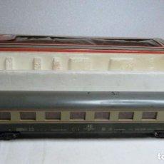 Trenes Escala: VAGON LIMA H0 REF. 9138 Y TRES TRAMOS RECTOS 222 MM. Lote 151463954