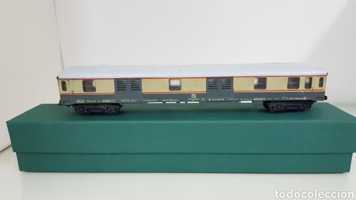 Trenes Escala: Vagón de FS italiana escala H0 continuo le falta un toque y tiene el techo rajado 27 cm - Foto 5 - 177486045
