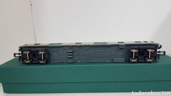 Trenes Escala: Vagón de FS italiana escala H0 continuo le falta un toque y tiene el techo rajado 27 cm - Foto 6 - 177486045