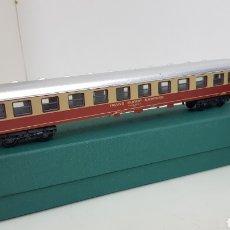Trenes Escala: LIMA VAGÓN TRANS EUROPE EXPRESS ROJO Y CREMA DE 27 CM ESCALA H0. Lote 181485548