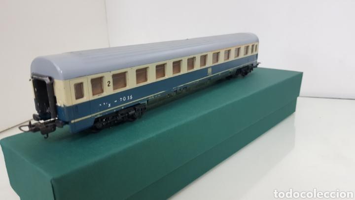 Trenes Escala: Lima vagón de segunda clase y primera de la de B alemana verde y crema de 27 cm escala H0 corriente - Foto 4 - 181488856